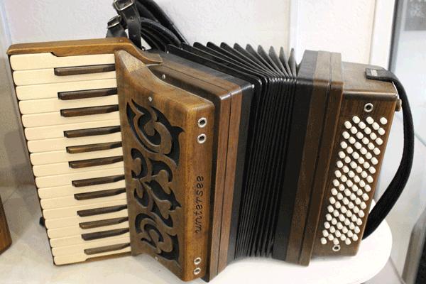 Akkordeon aus der Harmonika-Werkstatt Untersee