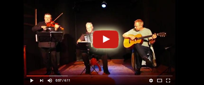 Das Trio Club Milango auf der Bühne