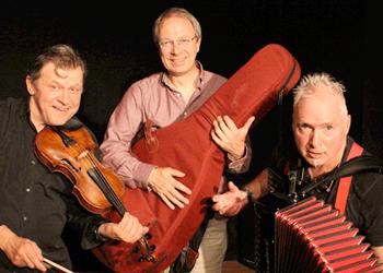Der Akkordeonist Peter M. Haas im Trio CLUB MILANGO