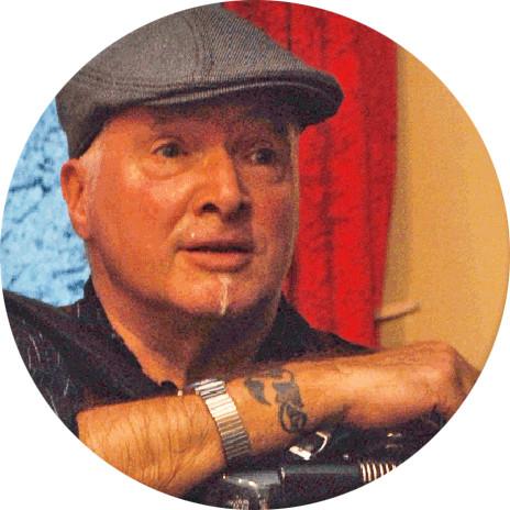Portrait Akkordeonist Peter Michael Haas